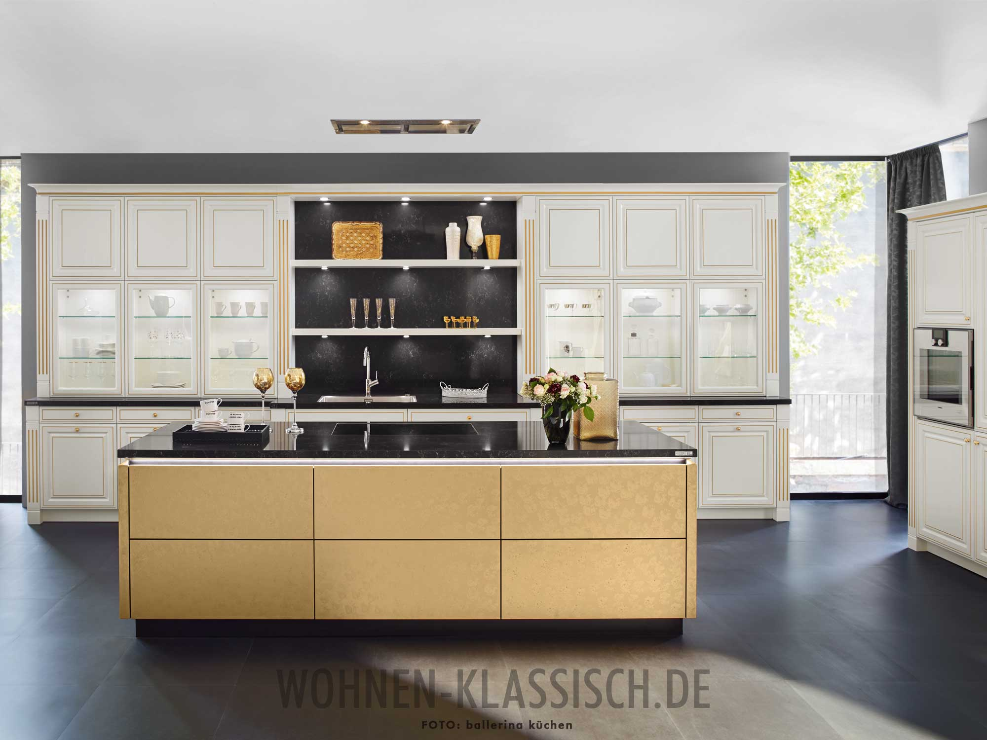ordentliche luxusk che klassisch wohnen. Black Bedroom Furniture Sets. Home Design Ideas