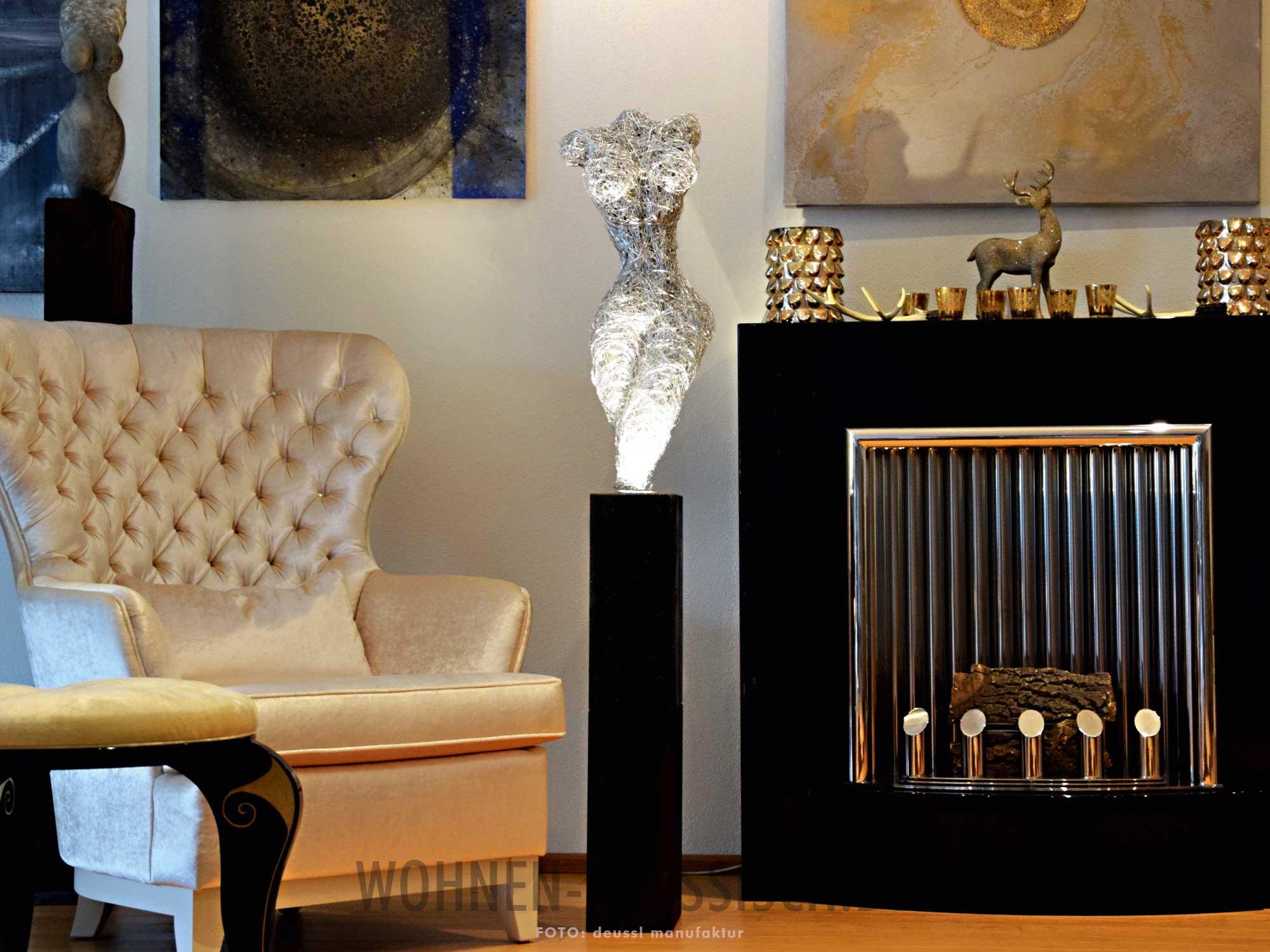 kunstlicht skulpturale eleganz klassisch wohnen. Black Bedroom Furniture Sets. Home Design Ideas