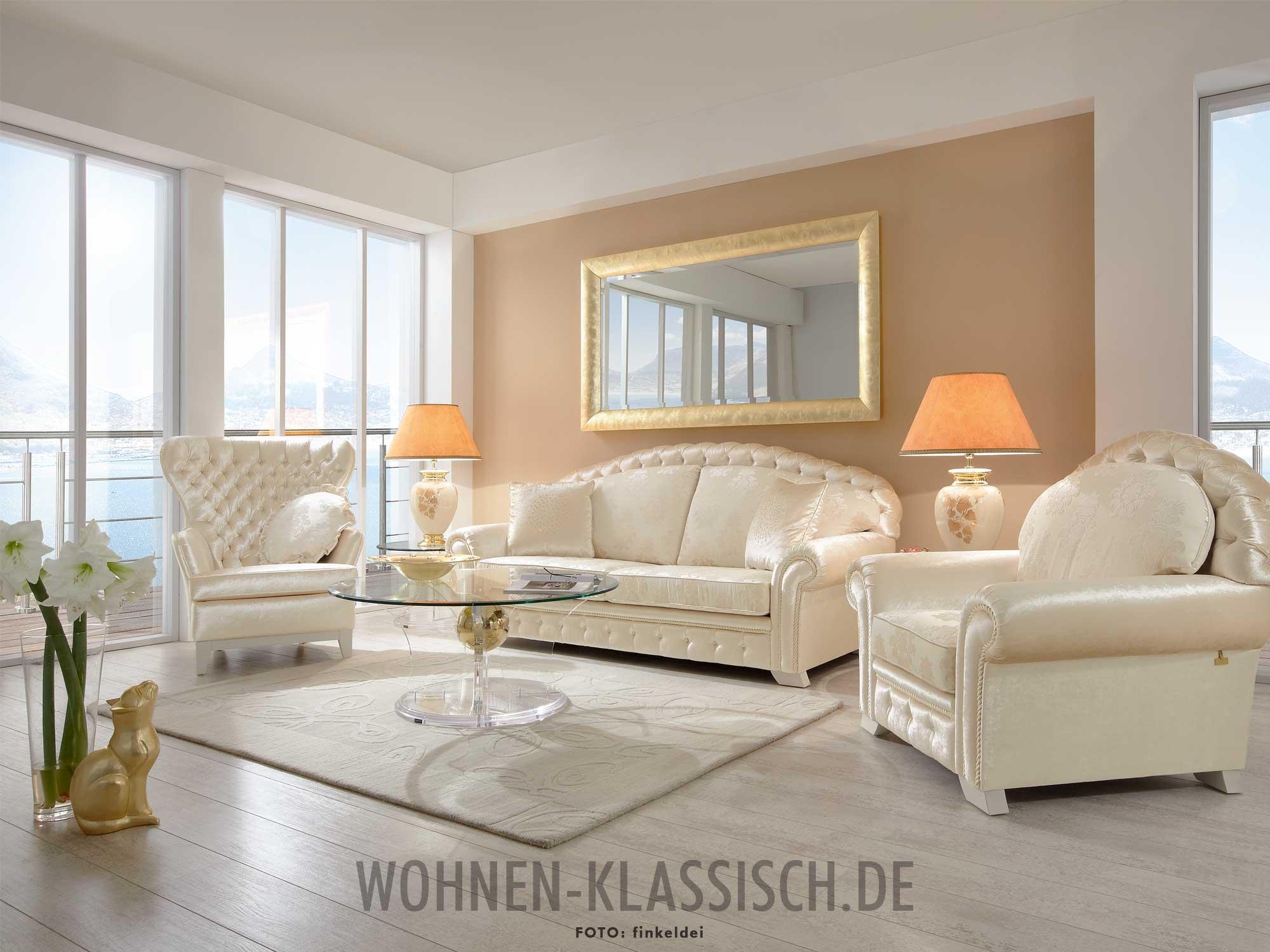 wohnzimmer eleganz mit feinem glanz klassisch wohnen. Black Bedroom Furniture Sets. Home Design Ideas