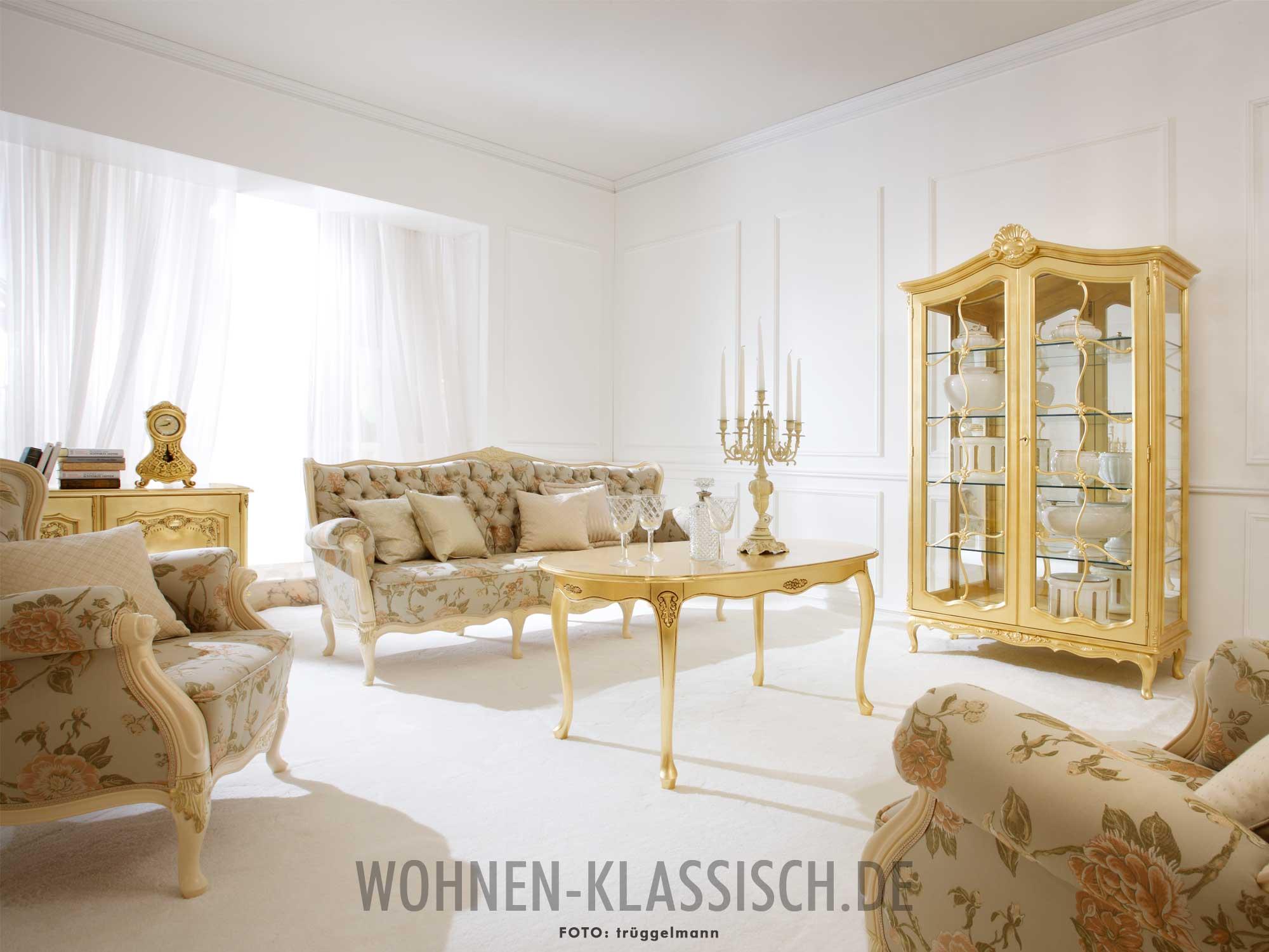 goldene momente im wohnzimmer klassisch wohnen. Black Bedroom Furniture Sets. Home Design Ideas