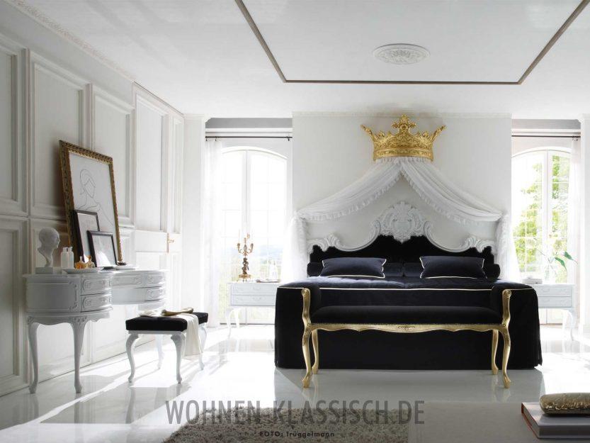 Unterm majestätischen Betthimmel | KLASSISCH WOHNEN