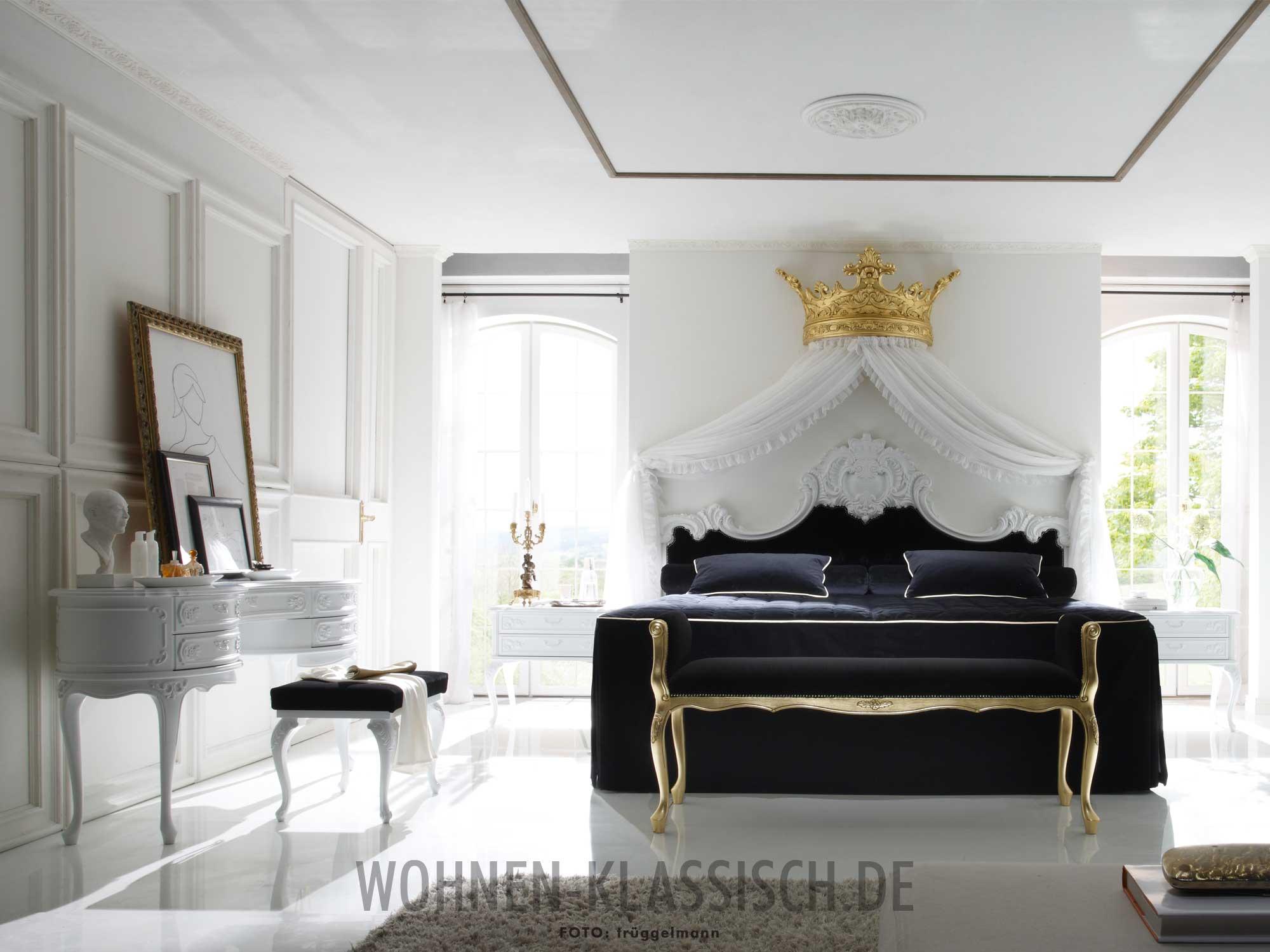 Unterm majest tischen betthimmel klassisch wohnen - Bett unterm fenster ...