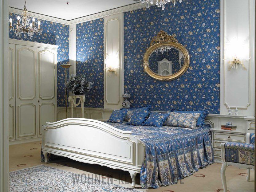 schlafen wie die k nige klassisch wohnen. Black Bedroom Furniture Sets. Home Design Ideas